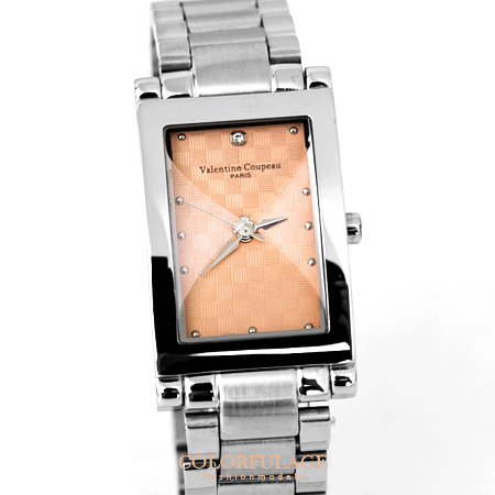 Valentino范倫鐵諾經典格紋錶