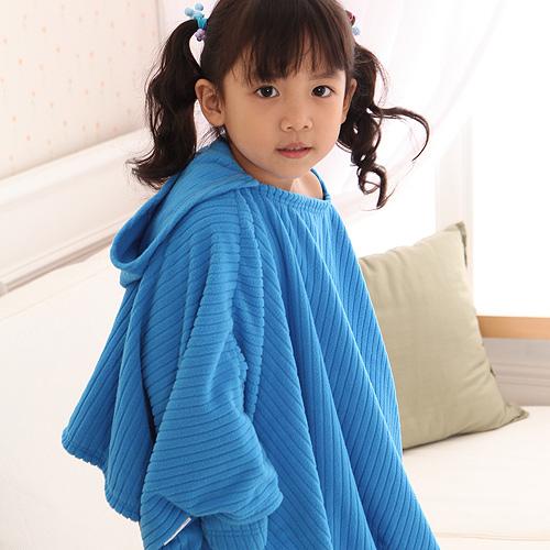 【床之戀】兒童整套組 台灣精製超輕保暖纖維兒童暖人連帽袖毯+手套+鞋(藍)-3M吸濕快乾處理布【MG0066B+MG0068B】(SG0010B)