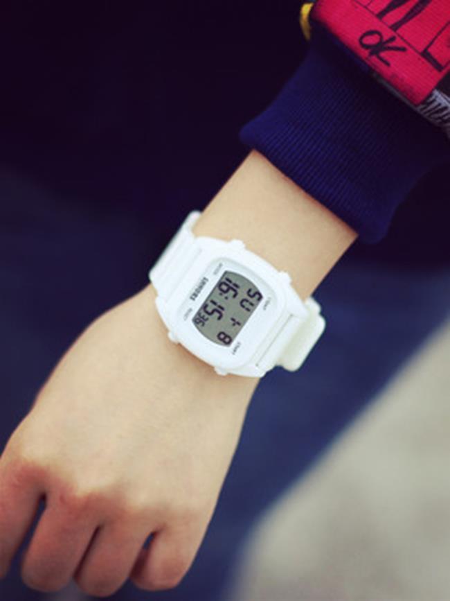 50%OFF SHOP【H021543WAH】糖果色女表時尚潮流休閒手錶 果凍學生手錶 彩色運動表防水電子錶