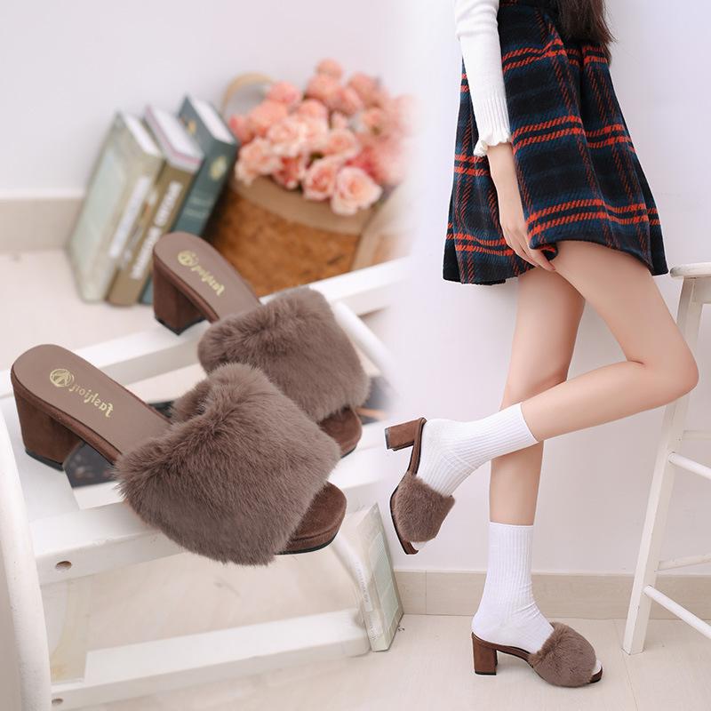 新款日系甜美風格拖鞋秋冬粗跟方頭露趾女士中跟毛毛鞋拖鞋潮流韓國可愛兔毛木屐鞋