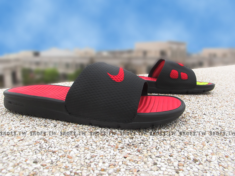Shoestw【431884-011】NIKE BENASSI SOLARSOFT SLIDE拖鞋 黑紅 男女都有