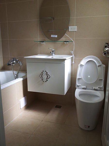 Cassido F101 浴櫃7800元包送上樓浴室更新浴缸拆除淋浴拉門泠熱水管漏水補磁磚抓漏水電材料