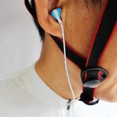 美麗大街【BK1052102708】重低音入耳式夜光運動耳機