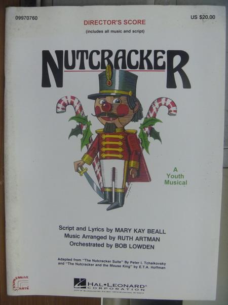 【書寶二手書T1/原文小說_QLJ】Nutcracker_封面白底有隻胡桃鉗娃娃