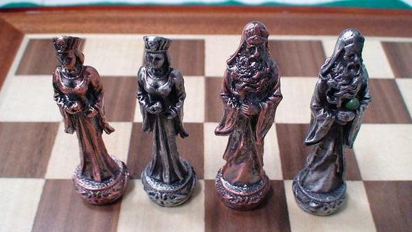 【Playwoods】[益智-博弈-品味] 西洋棋:龍與地下城金屬精雕鑄限量珍藏版~含木製棋盤DRAGON CHESSMAN