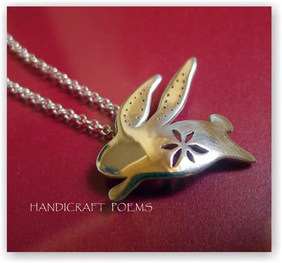 兔子造型925純銀手工十二生肖彌月墜飾項鍊~長耳兔兔~手作的詩,情人/生日/聖誕交換禮物,!