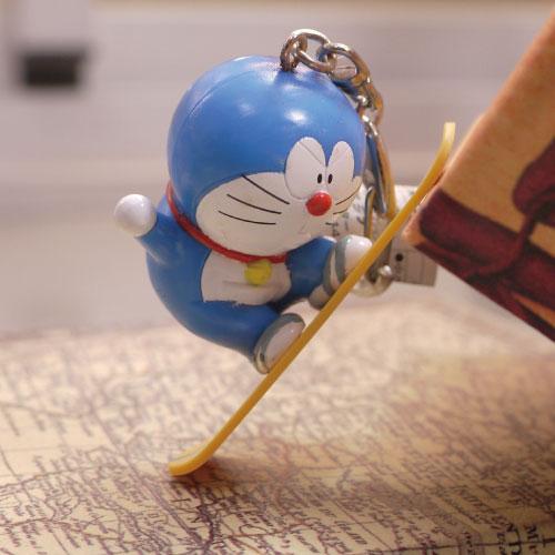 吊飾-日本直送療癒系人氣哆啦A夢小叮噹滑雪滑板吊飾鑰匙圈.寶貝窩 .【HT5401】