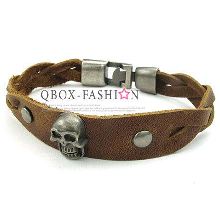 《 QBOX 》FASHION 飾品【W10023850】精緻個性骷髏頭編織皮革合金皮革手鍊/手環
