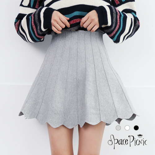 短裙 Space Picnic 現+預.立體直條壓紋後拉鍊A字短裙【001727】