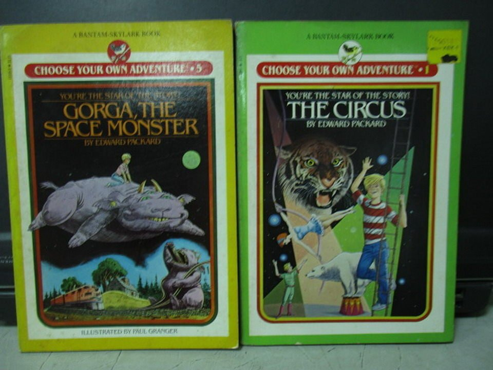 【書寶二手書T7/原文小說_LPM】The circus_Gorga the space monster_共2本合售
