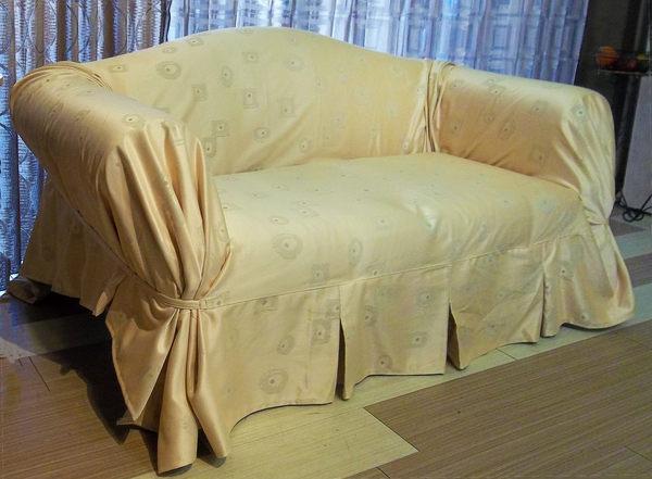 ◎幸福傢飾◎極簡風沙發套/沙發罩 金黃色 2人座 加贈止滑墊