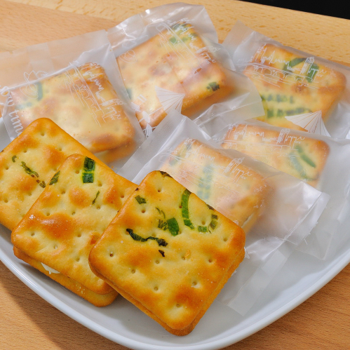 天然無負擔的海藻糖 香濃不黏牙 牛軋糖餅伴手禮盒(原味)18入/盒 - 奶酪露露
