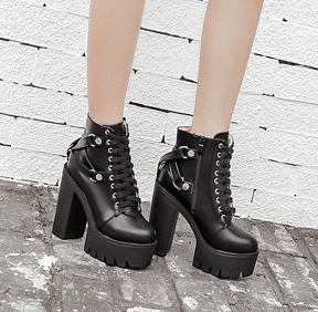 超高粗跟防水台歐美潮流走秀短靴歐洲站粗跟繫帶扣環爆款鬆糕短靴