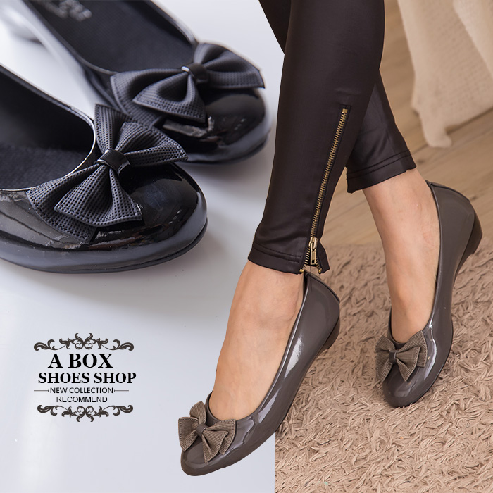 格子舖*【ADP524】台灣製 OL上班穿搭必備 甜美 蝴蝶結 圓頭平底包鞋 娃娃鞋 懶人鞋 2色