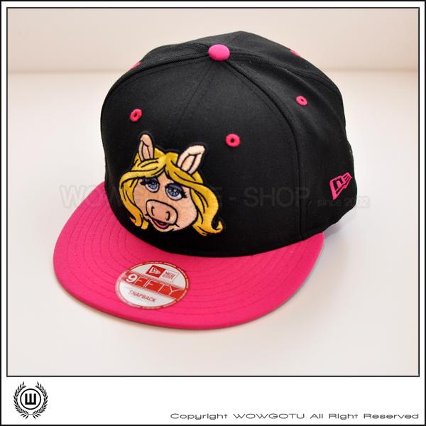 美國品牌 New Era x The Muppet Show - 豬小妹 ( Miss Piggy ) 限定商品 SNAPBACK 帽款 - 粉紅帽簷