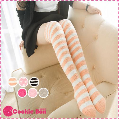 *餅乾盒子* 珊瑚 絨毛 襪子 女襪 長襪 及膝襪 地板襪 過膝 冬天 家居 保暖 彈性 柔軟 舒適 聖誕 交換 禮物