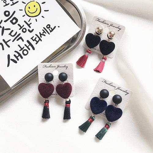 耳環 彩色 愛心 絨球 流蘇 氣質 耳環【TSGD479】 BOBI  01/19