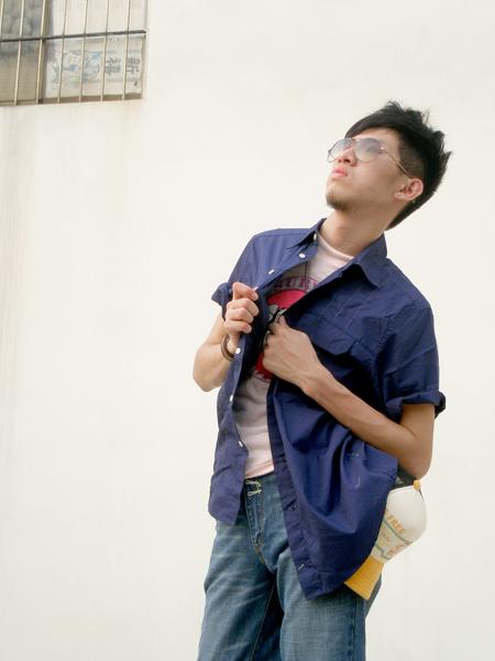 【魔法施】AYBORTEH日韓經典設計深藍短衫