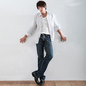 【魔法施】AYBORTEH 勁爆視覺超有型刷色中低腰牛仔褲