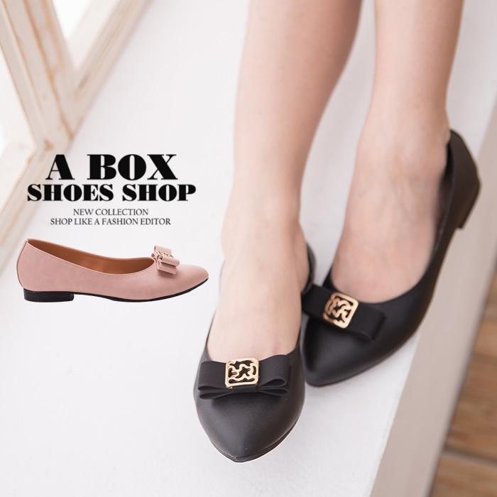 格子舖*【AD1682】MIT台灣製 金屬蝴蝶結透氣皮革 1.5CM低粗跟尖頭包鞋 娃娃鞋 2色