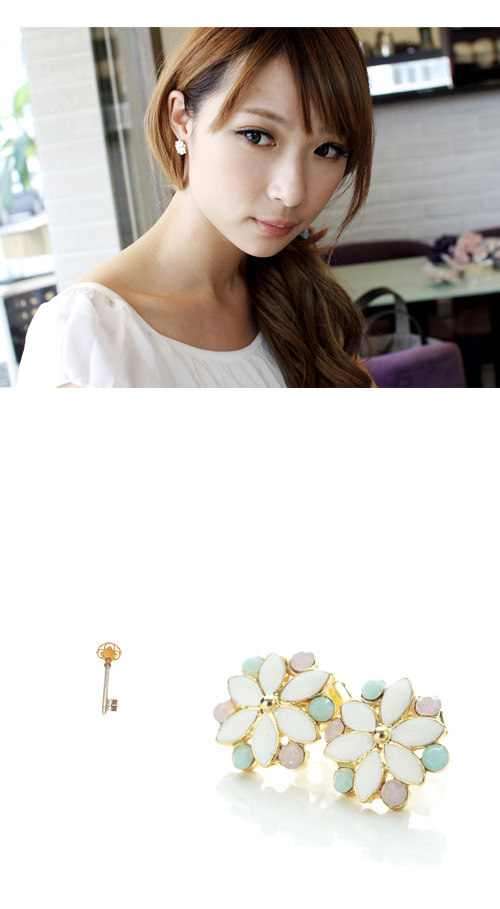 蛋白石耳環,水珠耳環,小花耳環,韓國製耳環,韓國飾品,耳環