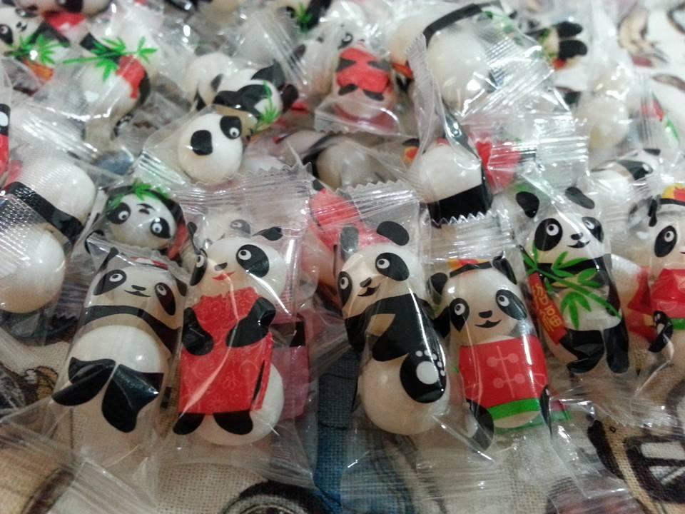 有樂町  聖誕糖果樂趣 熊貓娃娃 果維軟糖 乳酸菌軟糖 200g100元