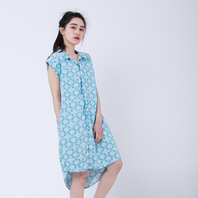 Jessie 痕跡半襟洋裝/藍拓花