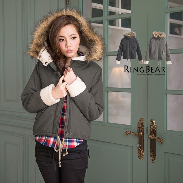 外套--俏皮可愛氣息毛邊連帽袖口茸毛設計下擺抽繩短版外套(黑.咖綠M-2L)-J206眼圈熊中大尺碼