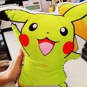 美麗大街【105101207】 pokemon 抱枕 寵物小精靈寶可夢口袋妖怪毛絨玩具 比卡丘 妙蛙種子 小火龍 傑尼龜