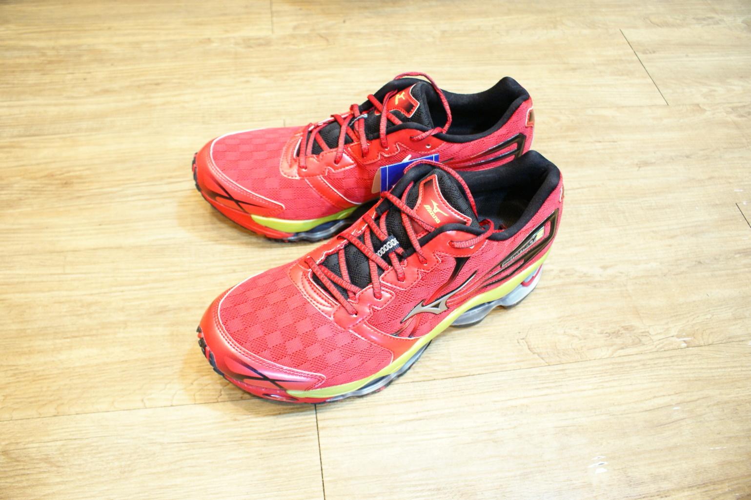 棒球世界 2013年MIZUNO 美津濃 頂級男用慢跑鞋 WAVE Prophecy 2系列 特價
