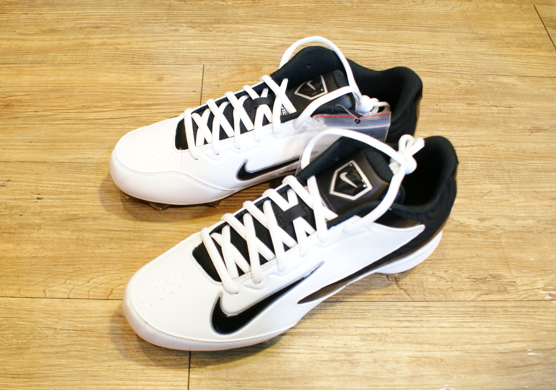 棒球世界 14年NIKE新款固定釘鞋 特價 白底