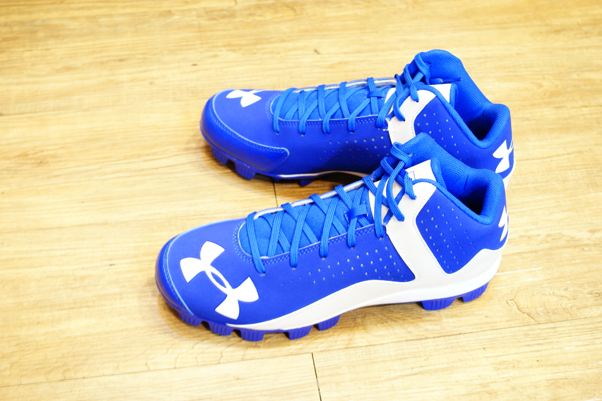 棒球世界 全新15年UNDER ARMOUR UA中筒膠釘鞋 特價 寶藍白配色