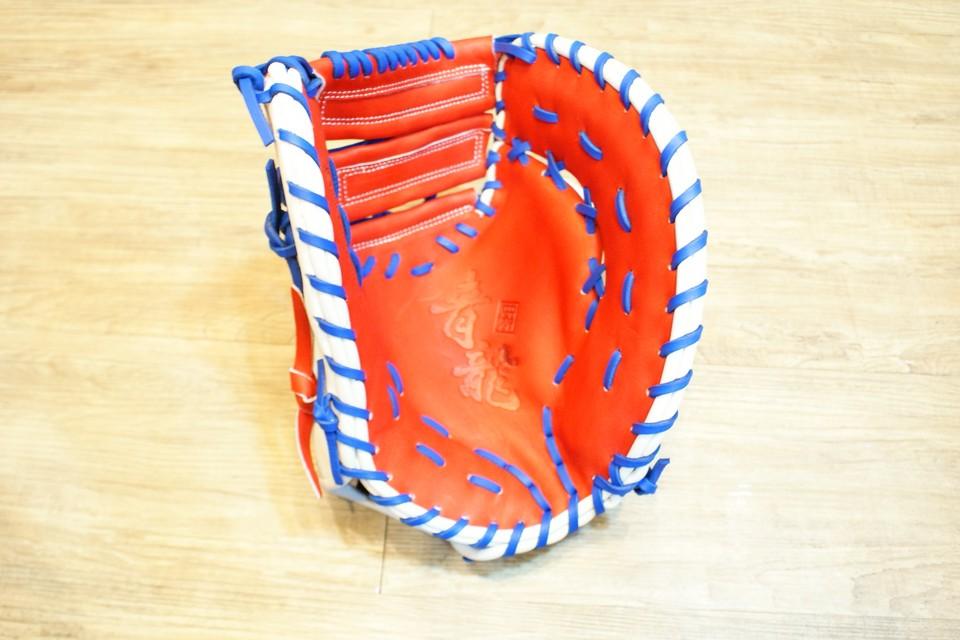 棒球世界 全新韓國品牌 四神 棒壘球手套 美國小牛皮 店家訂製款 特價 一壘手