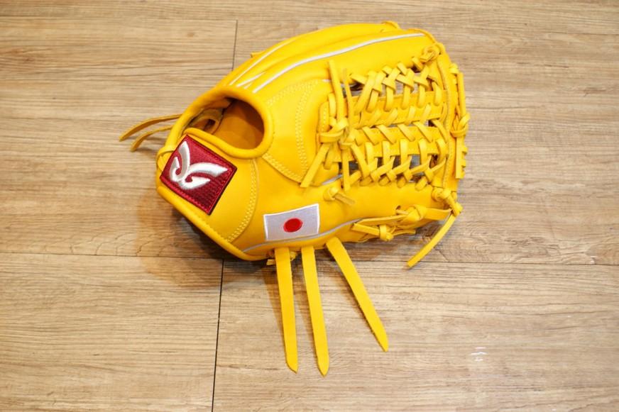 棒球世界 全新日本品牌Glom棒球手套 美國小牛皮 日本國旗訂製款 特價 內野V網檔 12吋