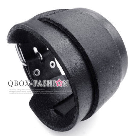 《 QBOX 》FASHION 飾品【W10023067】精緻個性黑色簡約厚實寬版皮革手鍊/手環