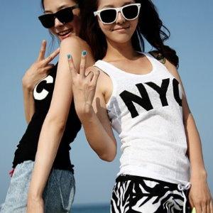 美麗大街【GMA0604】 字母NYC印花素色休閒背心小可愛上衣