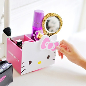 美麗大街【103080517】Hello Kitty凱蒂貓大頭造型旋轉四格桌面置物木製收納箱