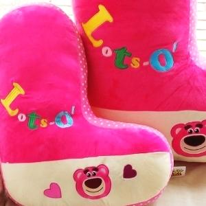 美麗大街【104020963】迪士尼玩具總動員草莓粉紅熊抱哥字母L造型18吋抱枕