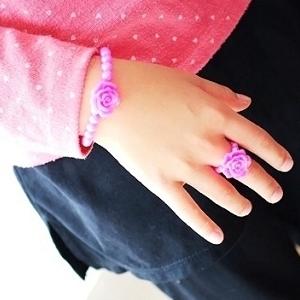 美麗大街【104030112】玫瑰花珠珠戒指手鍊兩入組