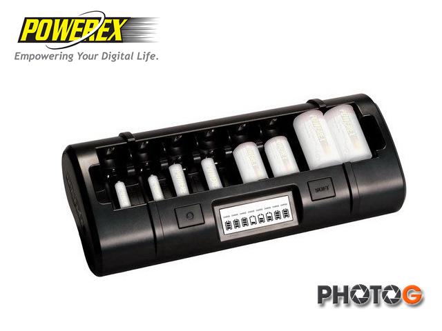 MAHA-POWEREX MH-C801D 八通道大小通吃充電器 1號~4號 皆可充 AA AAA 活化電池功能  (台灣製造)