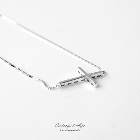 925純銀項鍊 獨特簡約橫向十字架鎖骨鍊頸鍊短鍊 抗過敏材質 柒彩年代【NPB5】