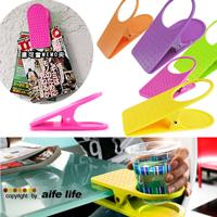 【aife life】創意彩色桌邊水杯夾,杯架,可夾辦公桌、書桌,還可當MEMO夾,掛在牆上也超時尚的喔!!