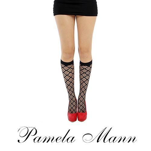 『摩達客』英國進口義大利製【Pamela Mann】方格網紋及膝高筒襪