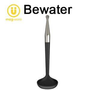 【Bewater】不銹鋼式把手湯勺(附可吊掛貼吸盤)黑色   廚房便利小幫手!!