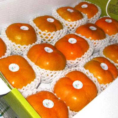 《柿外桃園》A001017 日本甜柿(6兩15粒裝)