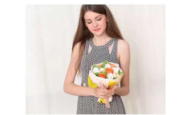 6月畢業季來囉 送學生的最佳花朵~香皂玫瑰花 (可洗手喔)共7色 如需大量訂購 可直接撥打門市喔~~~~
