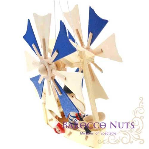 【Barocco Nuts】[懷舊古玩] 木頭懸吊童玩:藍色雙旋輪夢想飛天船-黑帽觀測員(拉繩/旋翼可動/吊掛/童年玩具/創意設計/逐夢/趣味/玩具/航空器/飛船/居家/旋翼/想飛)