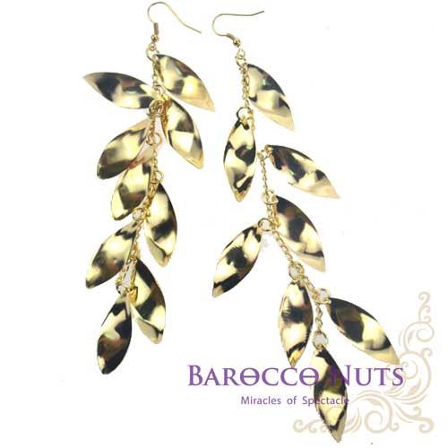 【Barocco Nuts】[造型搭配] 耳環系列:金色扭轉飛梭串鍊耳環(首飾/耳飾/垂吊型/耳勾式/梭片/串聯/造型耳環/黃金/閃亮/浪漫/婚禮/時尚派對)