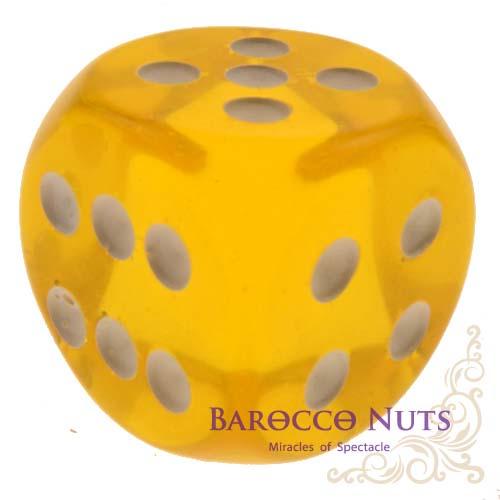 【Playwoods】[桌遊/博奕] 2.3CM黃色 圓弧邊半透明骰子 (色子/骰盅/點數骰子/棋牌/麻將/桌遊/Bar/夜店/KTV/ token/指示物)