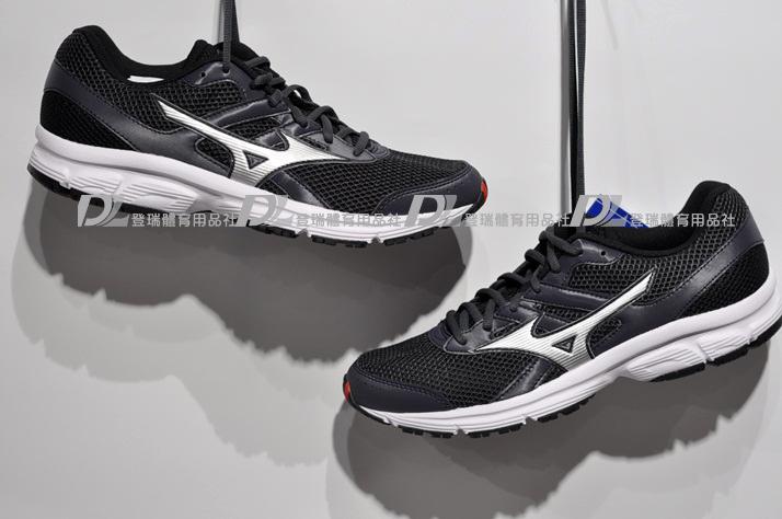 【登瑞體育】MIZUNO 男慢跑鞋 SPARK  -K1GA160305